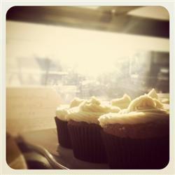 Gluten-Free Lovely Lemon Cupcakes healthycreations.com