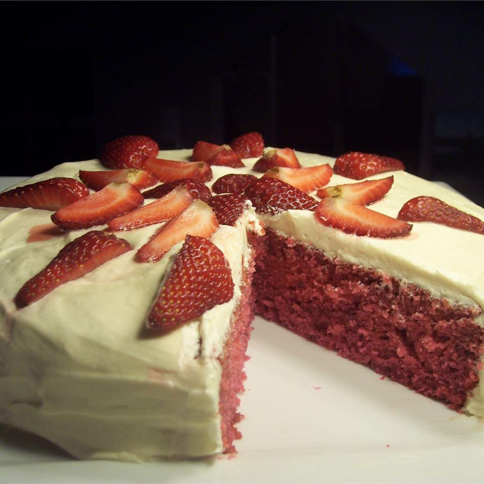 Jesse and Steve's Fresh Strawberry Cake Sarah-May