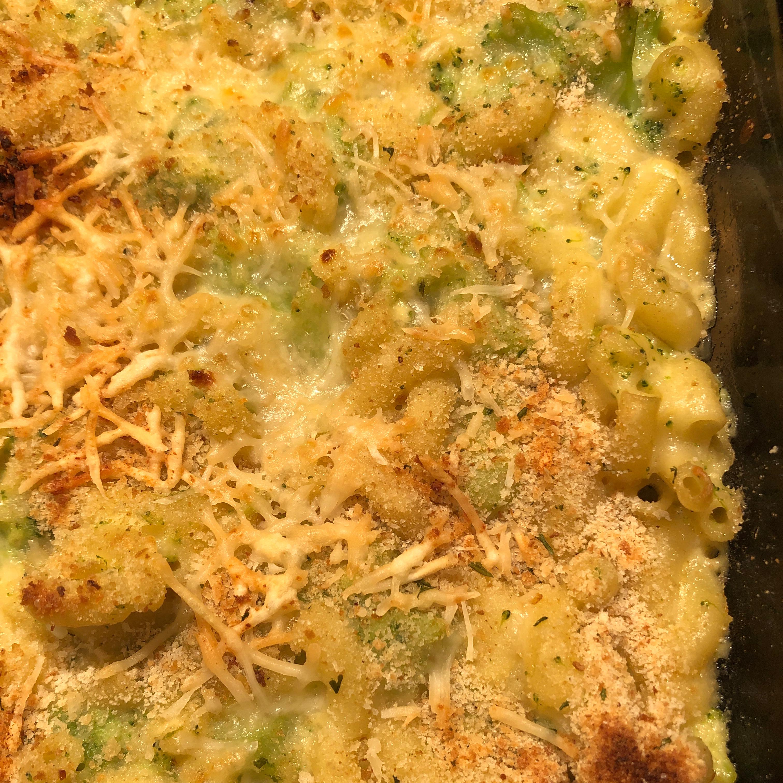 Skinny Broccoli Mac and Cheese Tcumac05