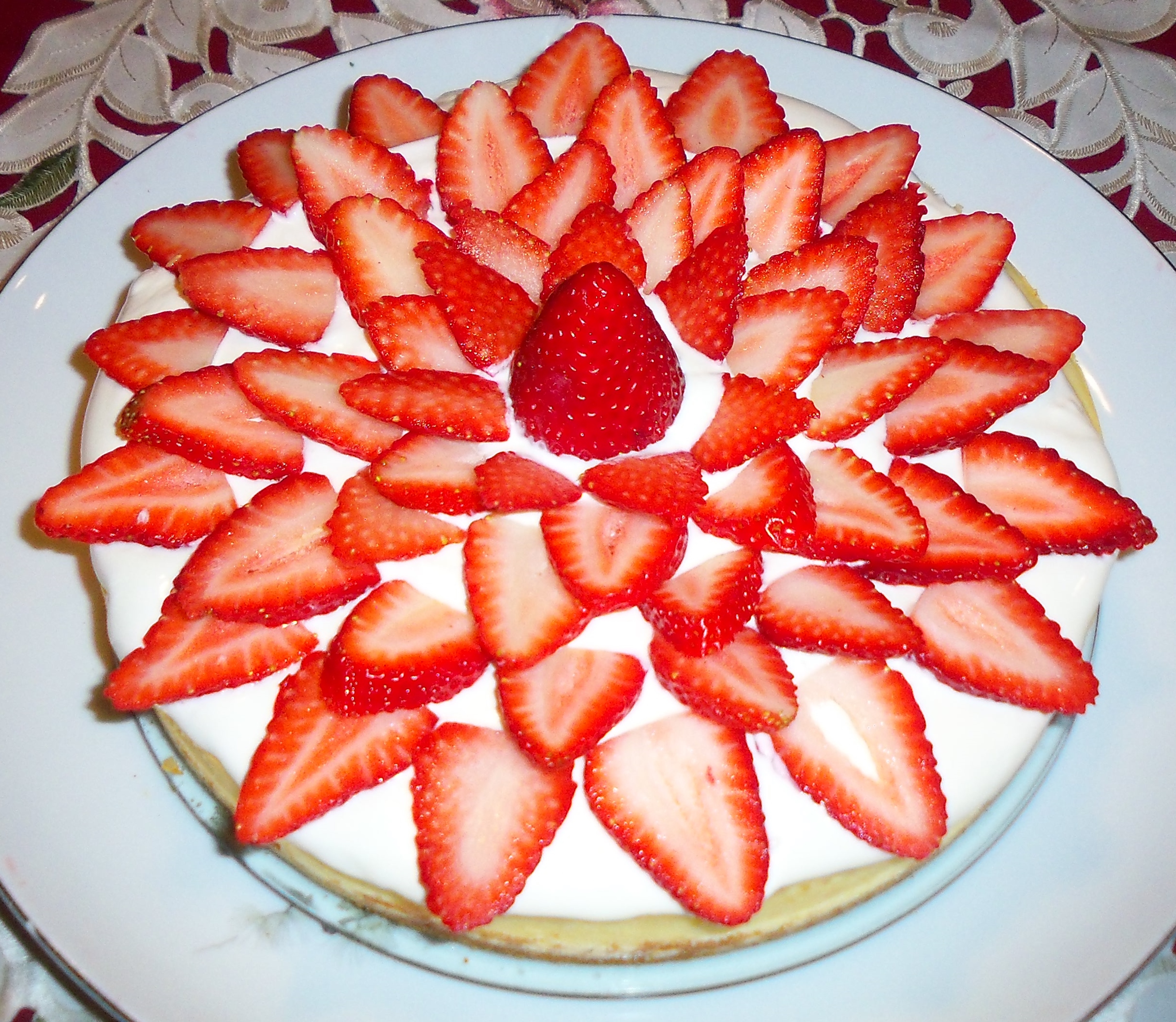 Cheesecake with Sour Cream and Fresh Strawberry Topping
