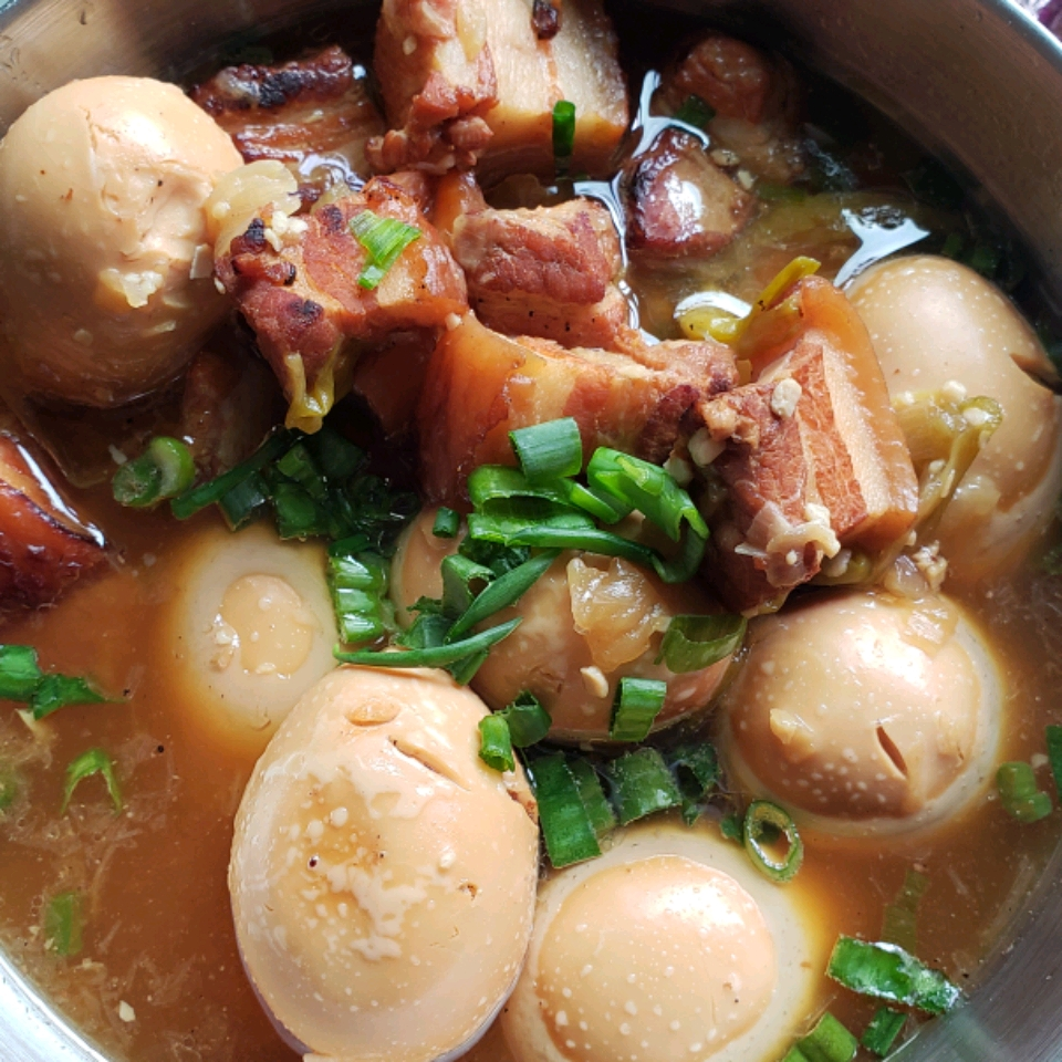 Caramelized Pork Belly (Thit Kho)