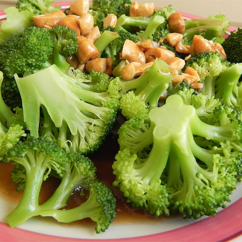 Broccoli with Garlic Butter and Cashews