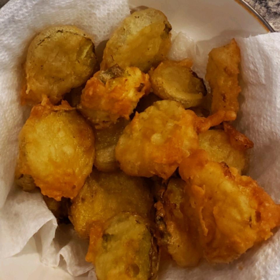 Beer Batter Deep Fried Dill Pickles