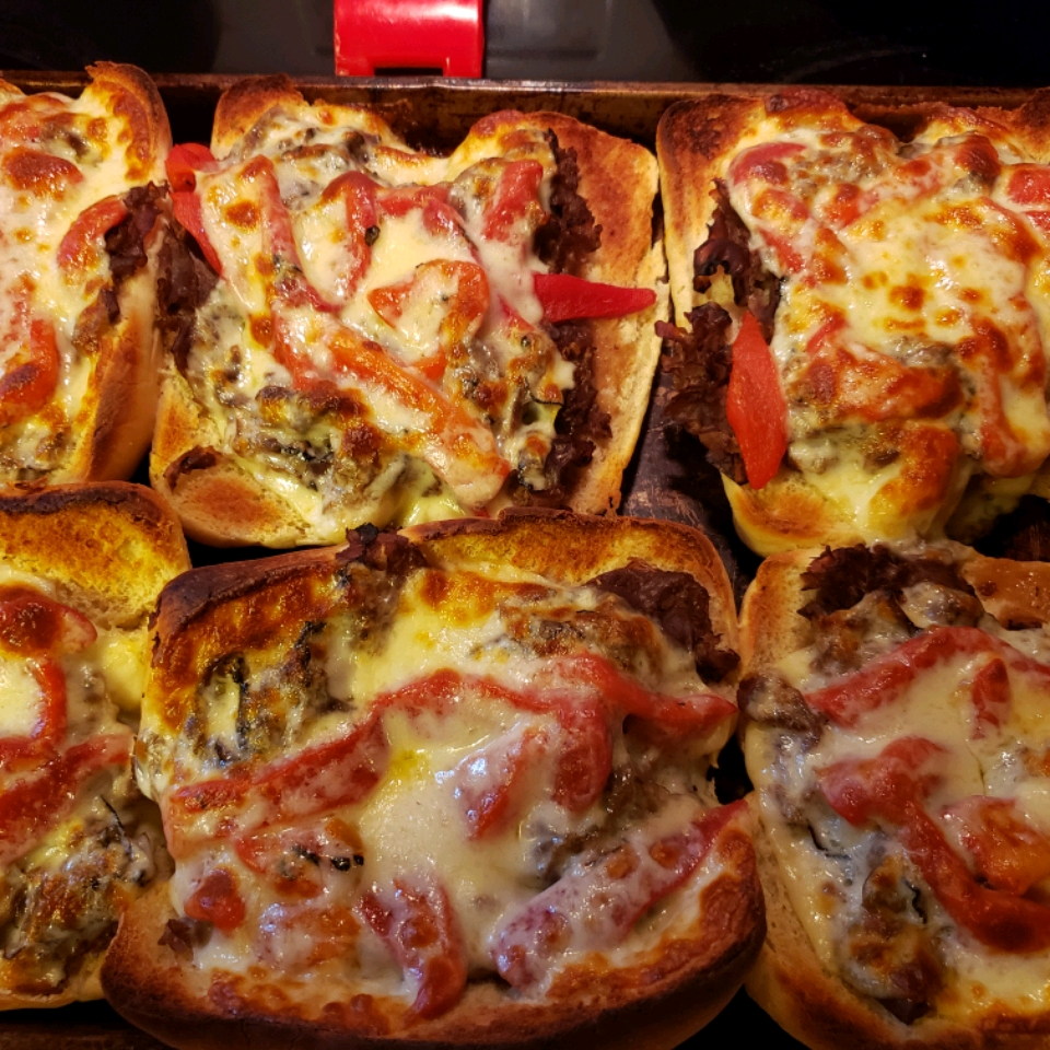 Beef and Roasted Red Pepper Sandwiches Netta Kenimond