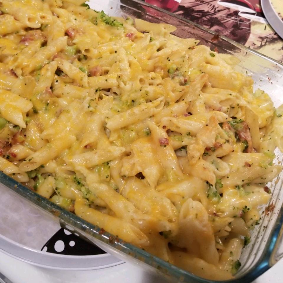 Cheesy Bacon Pasta Bake with Broccoli Crumble beccasensei