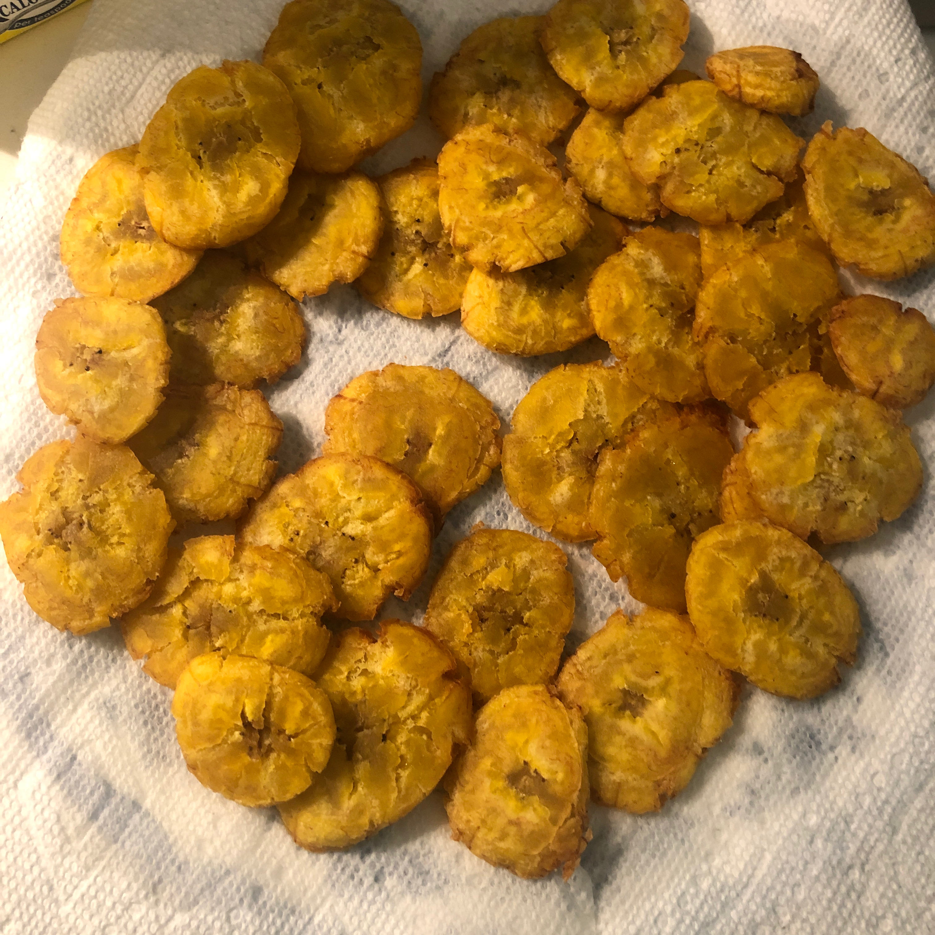 Tostones (Twice Fried Green Plantains) with Mayo-Ketchup Dipping Sauce Myr go