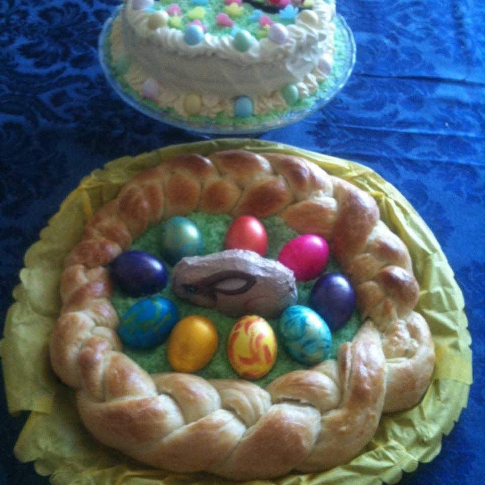 Choereg (Armenian Easter Bread) Duchess