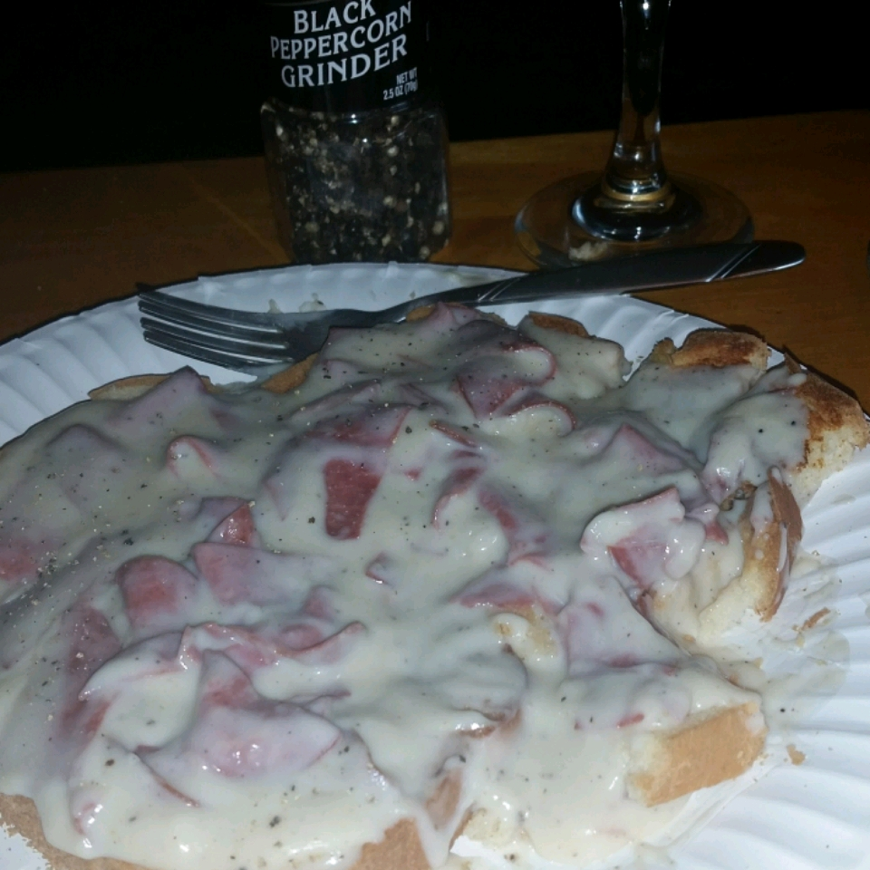 Mom's Easy Creamed Chipped Beef on Toast