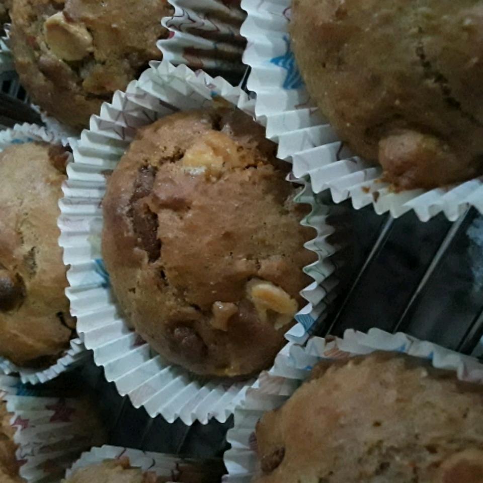 Whole Wheat Apple Muffins