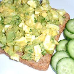 Delicious Avocado Egg Salad sueb