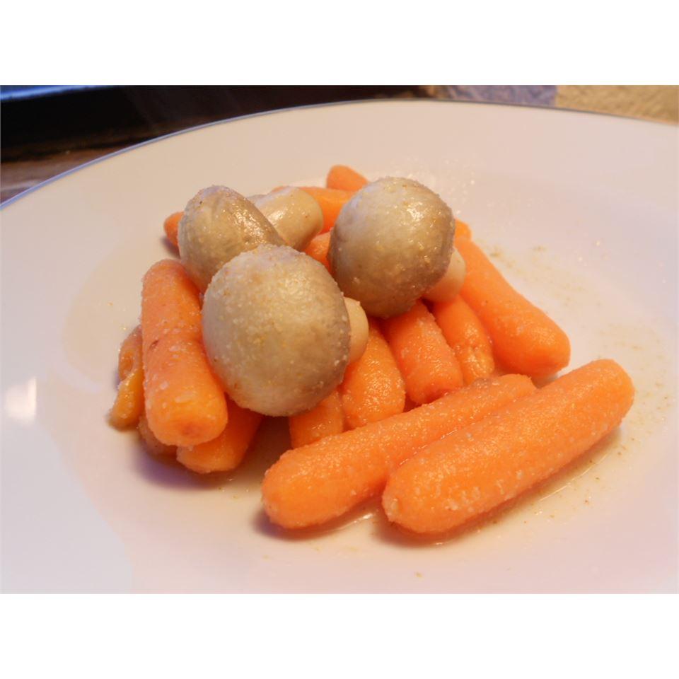 Zesty Lemon Carrot Salad kellieann