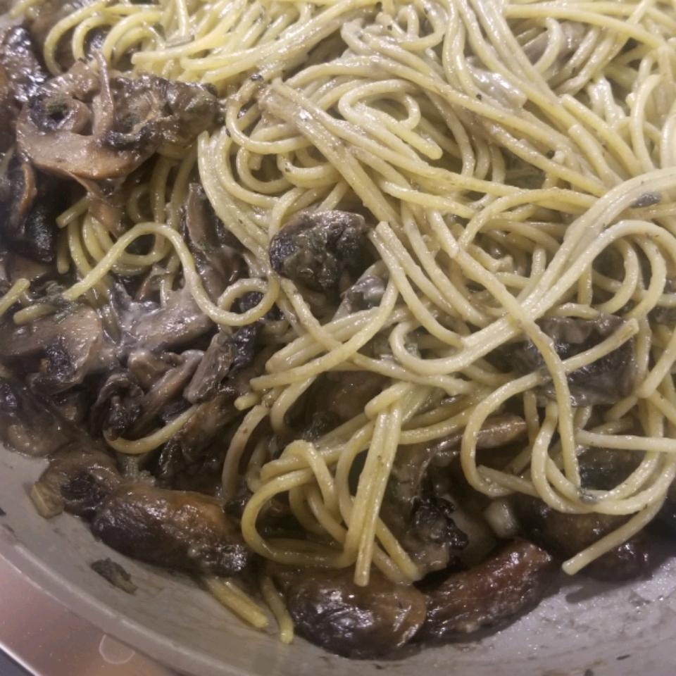 Fettuccine in Creamy Mushroom and Sage Sauce