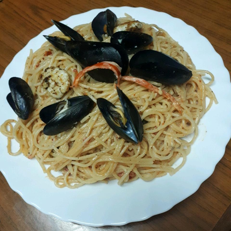 Seafood Scampi Linguine Amine ben jrad