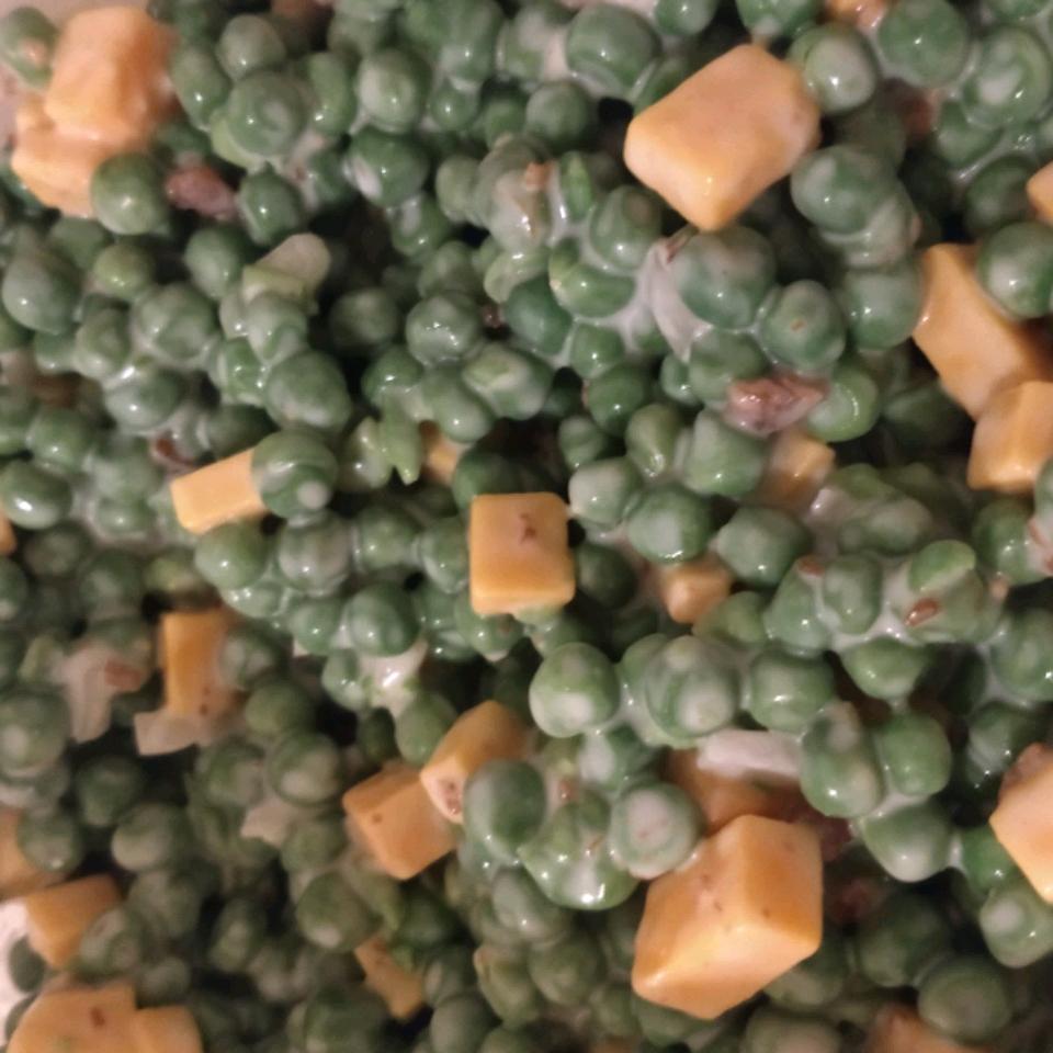 Crowd-Pleasing Pea Salad Hunnybunny