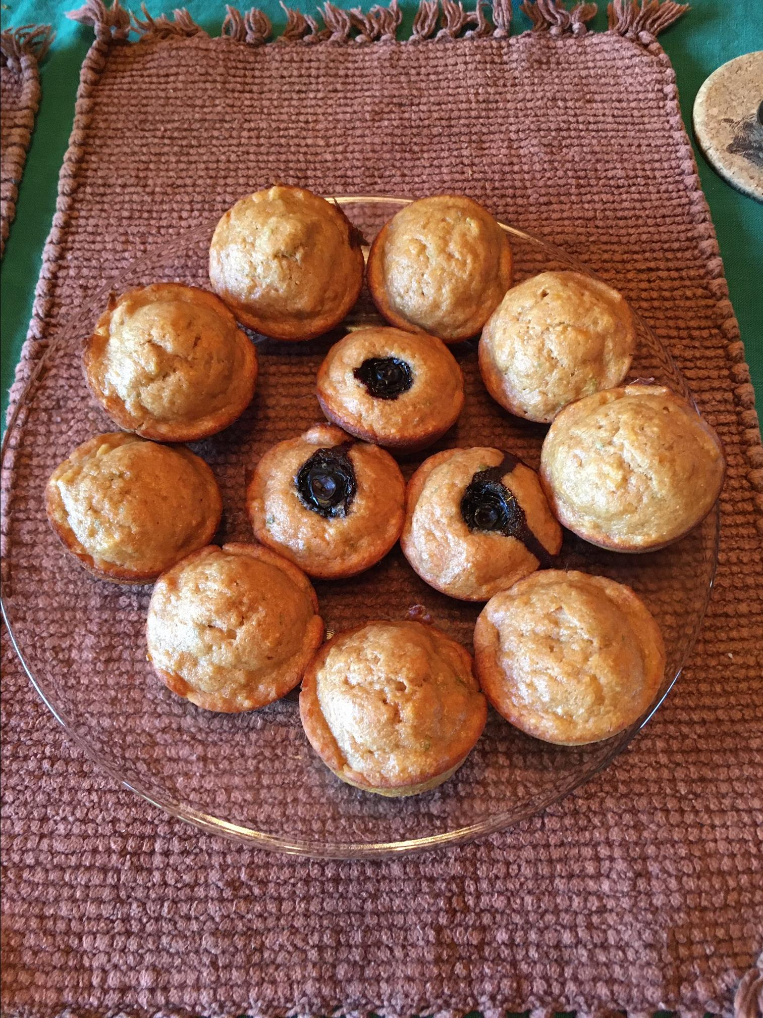 Banana-Blueberry Muffins with Greek Yogurt Alfia