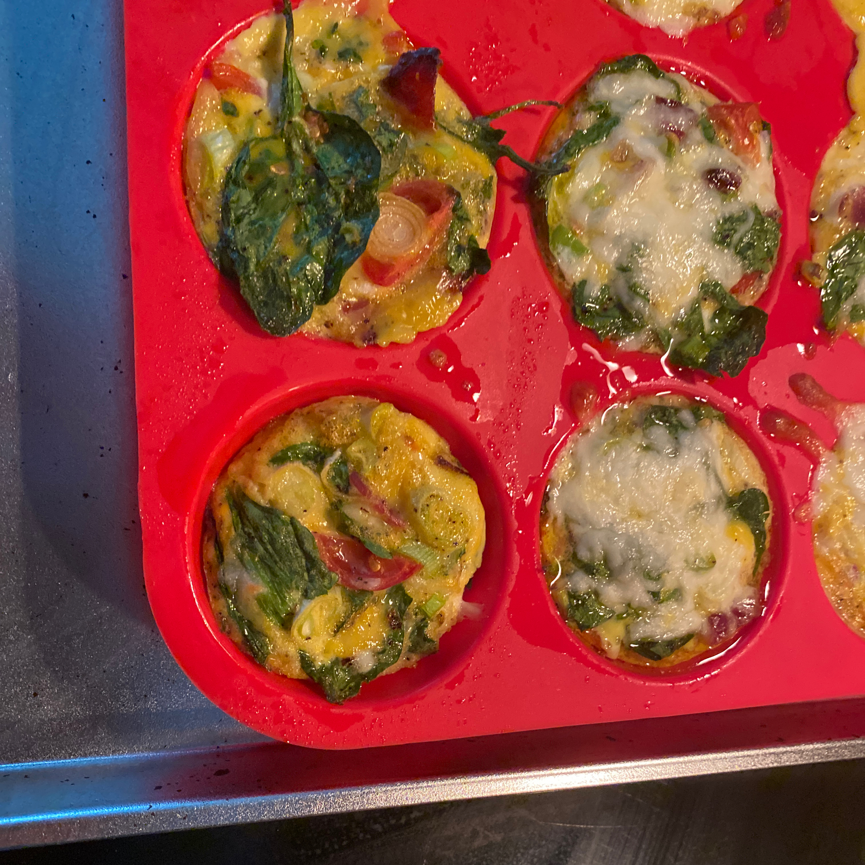 Tomatoes and Bacon Egg Muffins IrnGL