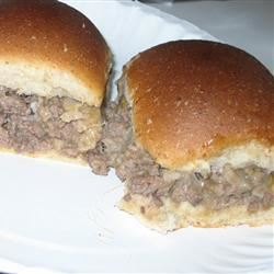 Slider-Style Mini Burgers FROGHOPPER