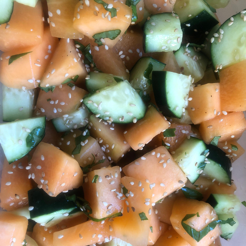 Cucumber and Cantaloupe Salad kkueber