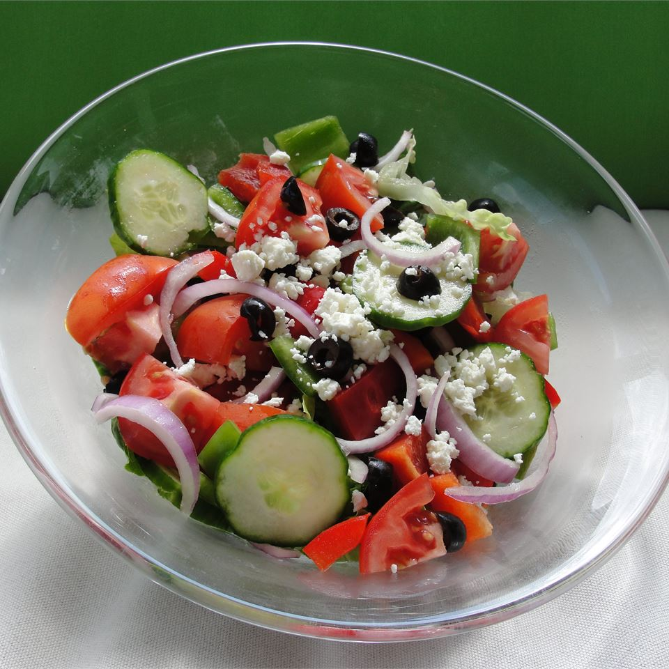 Greek Salad I Meesh