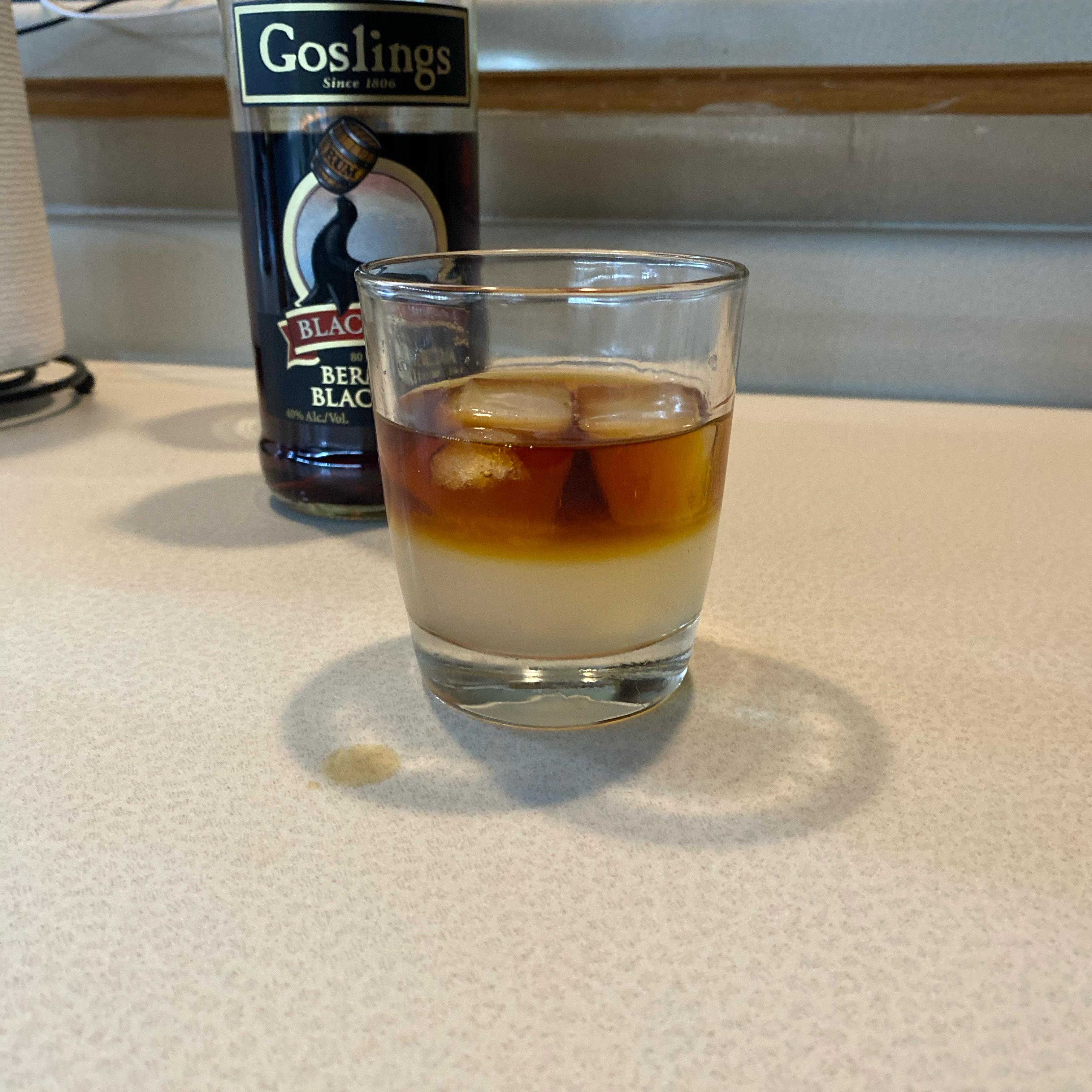 Dark 'n' Stormy Cocktail
