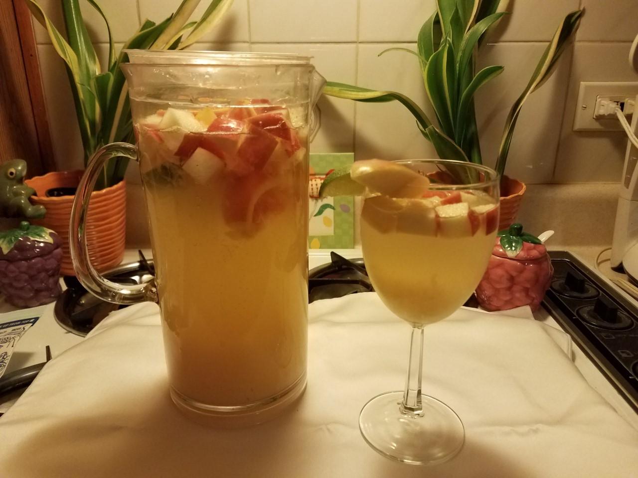 Pineapple Sangria Liz Dalton 'Lizzie'