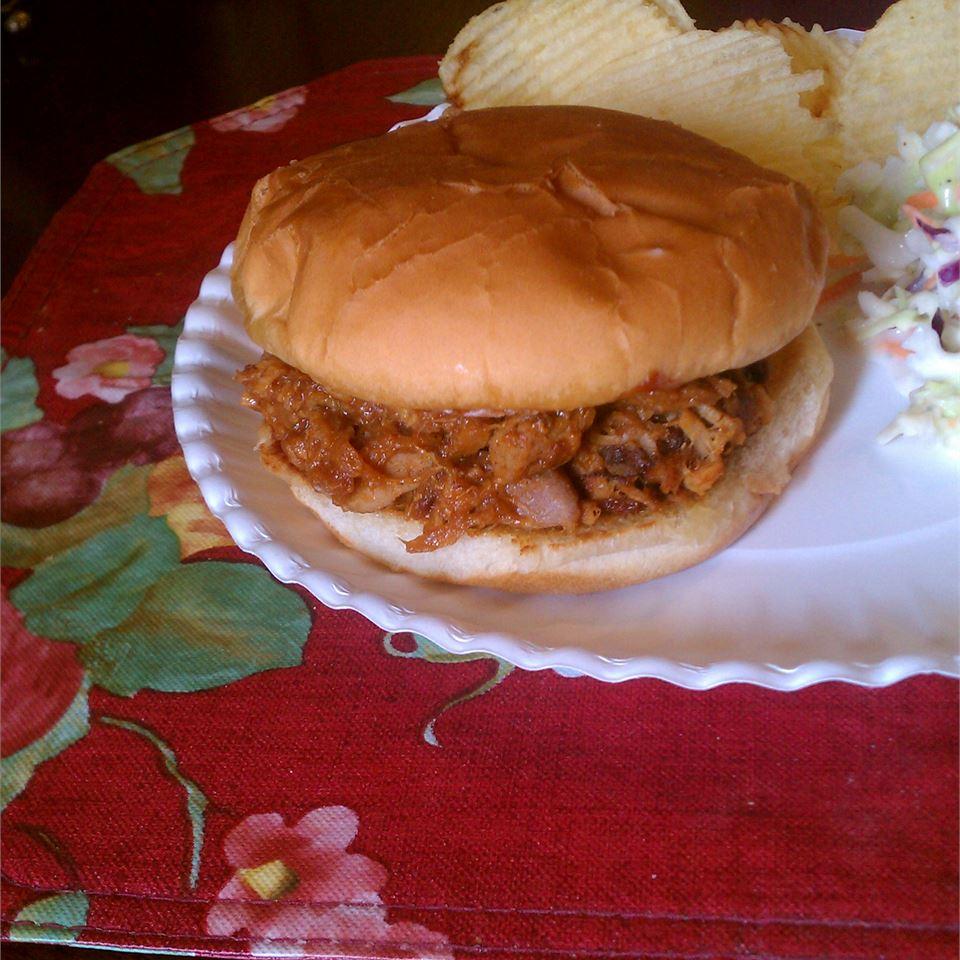 BBQ Pork Sandwiches ~TxCin~ILove2Ck