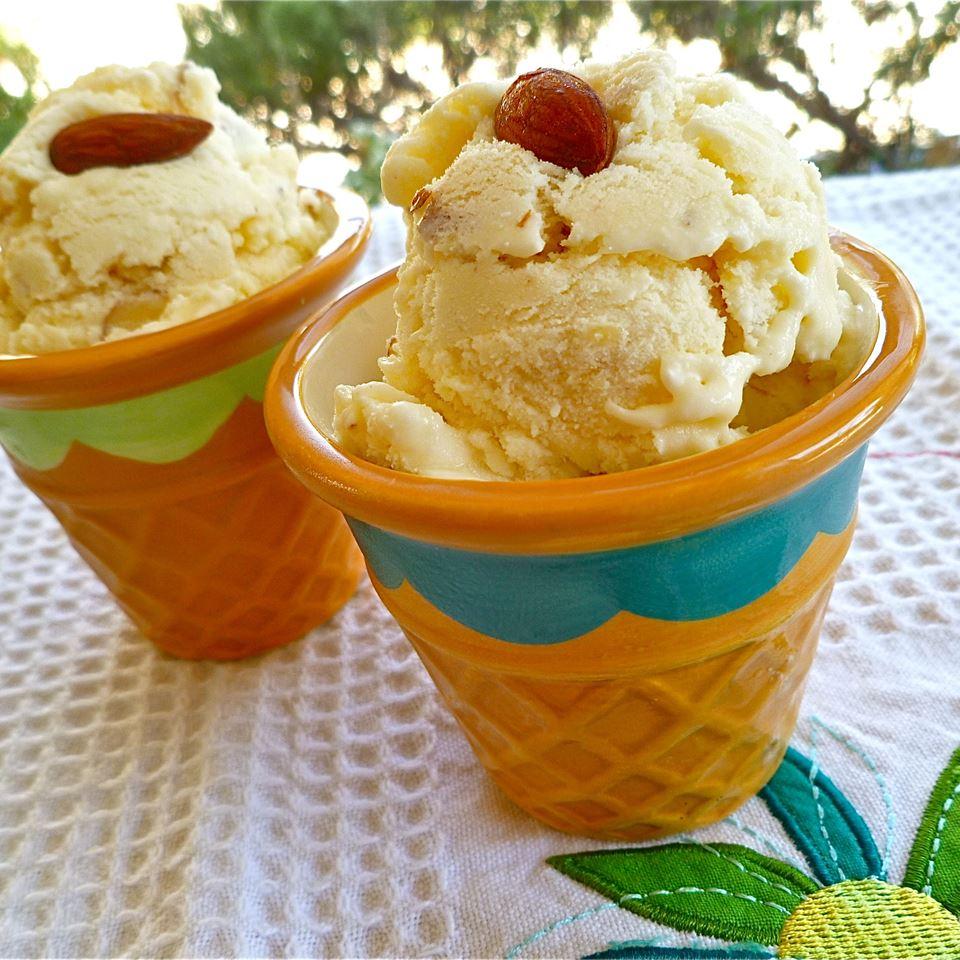 Almond Delight Ice Cream