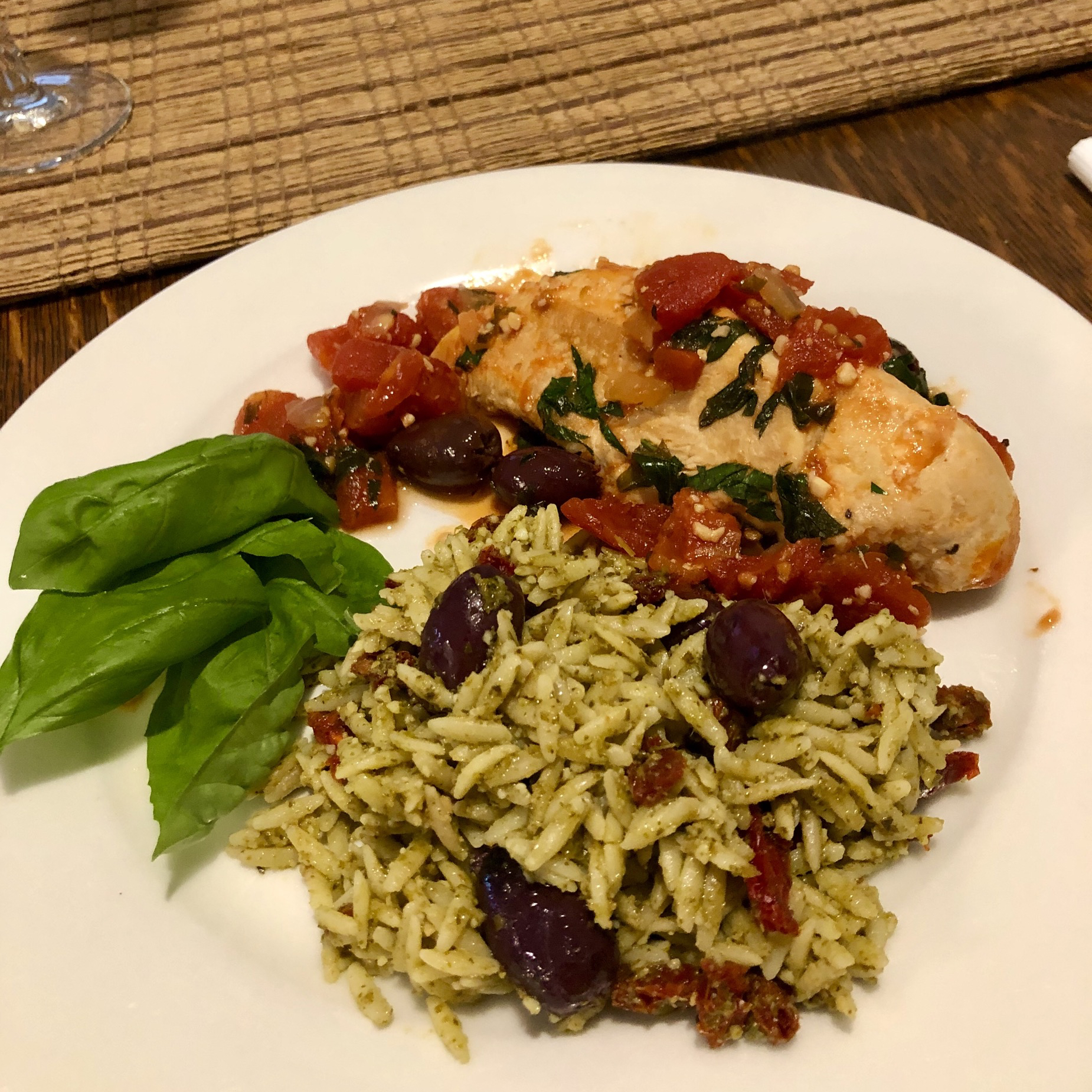 Orzo with Sun-Dried Tomatoes and Kalamata Olives Tel703