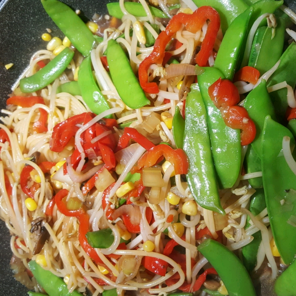 Vegetable Lo Mein Delight