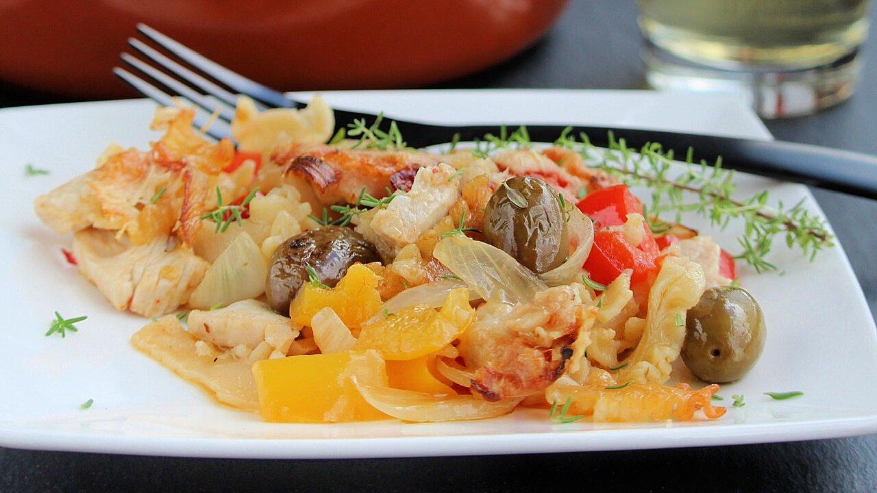 Mediterranean Chicken and Pepper Casserole