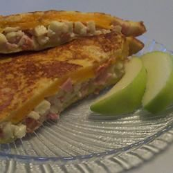 Apple Ham Grilled Cheese heatherteeter