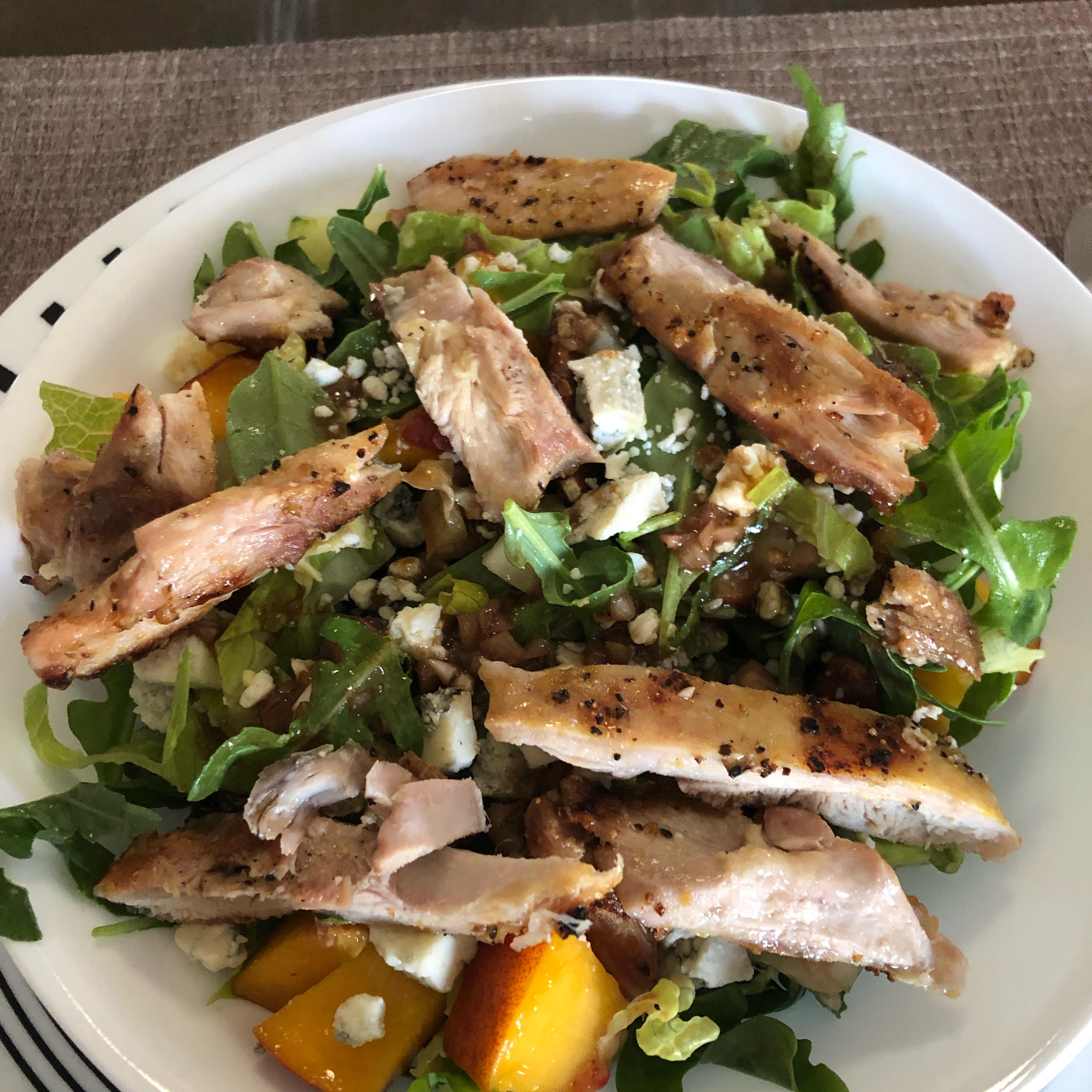 Grilled Chicken, Peach, and Arugula Salad PattiVP