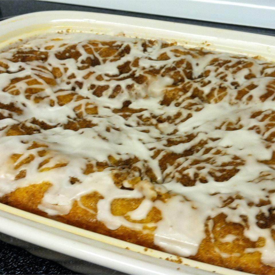 Honey Bun Cake I Jenny