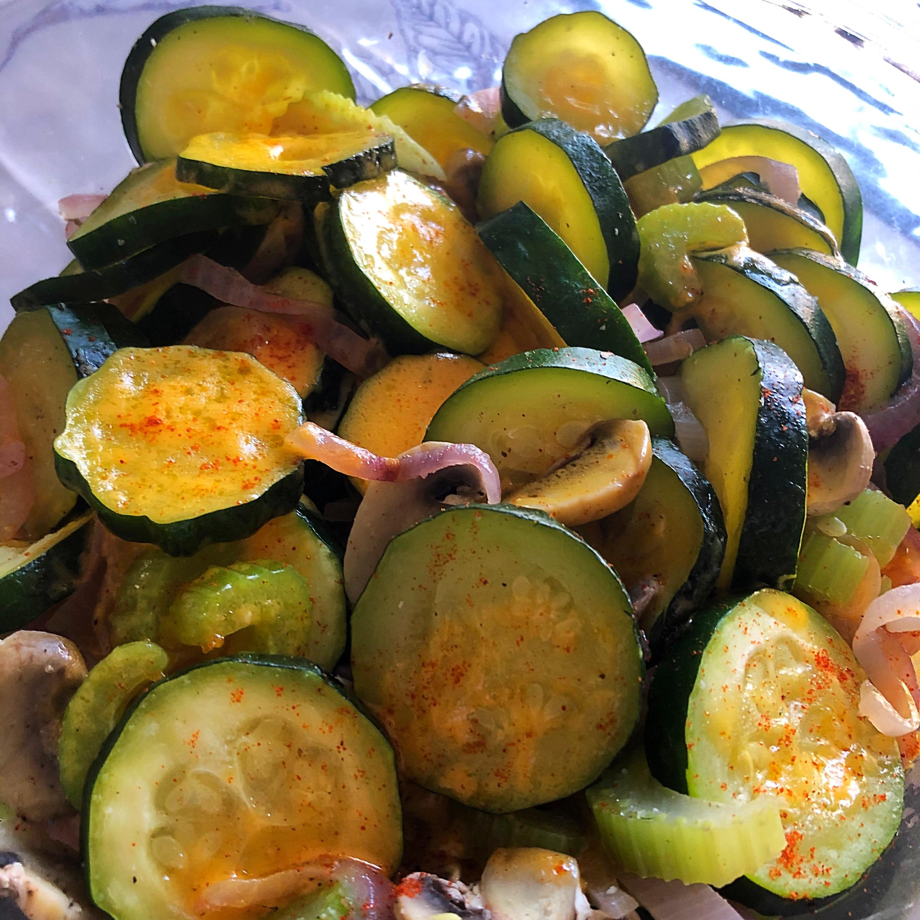 Steamy Microwave Zucchini Sstef