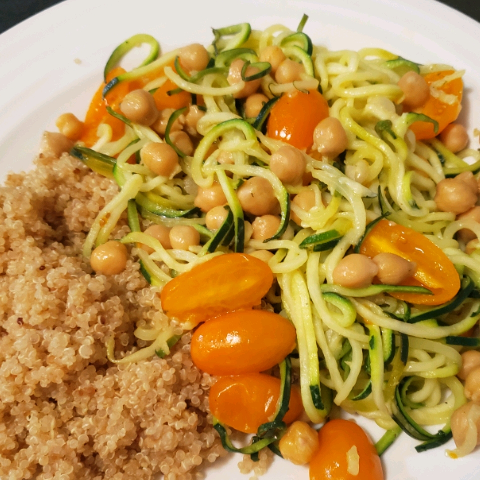 Zucchini Noodle and Cannellini Bean Quinoa Bowl travelgirl