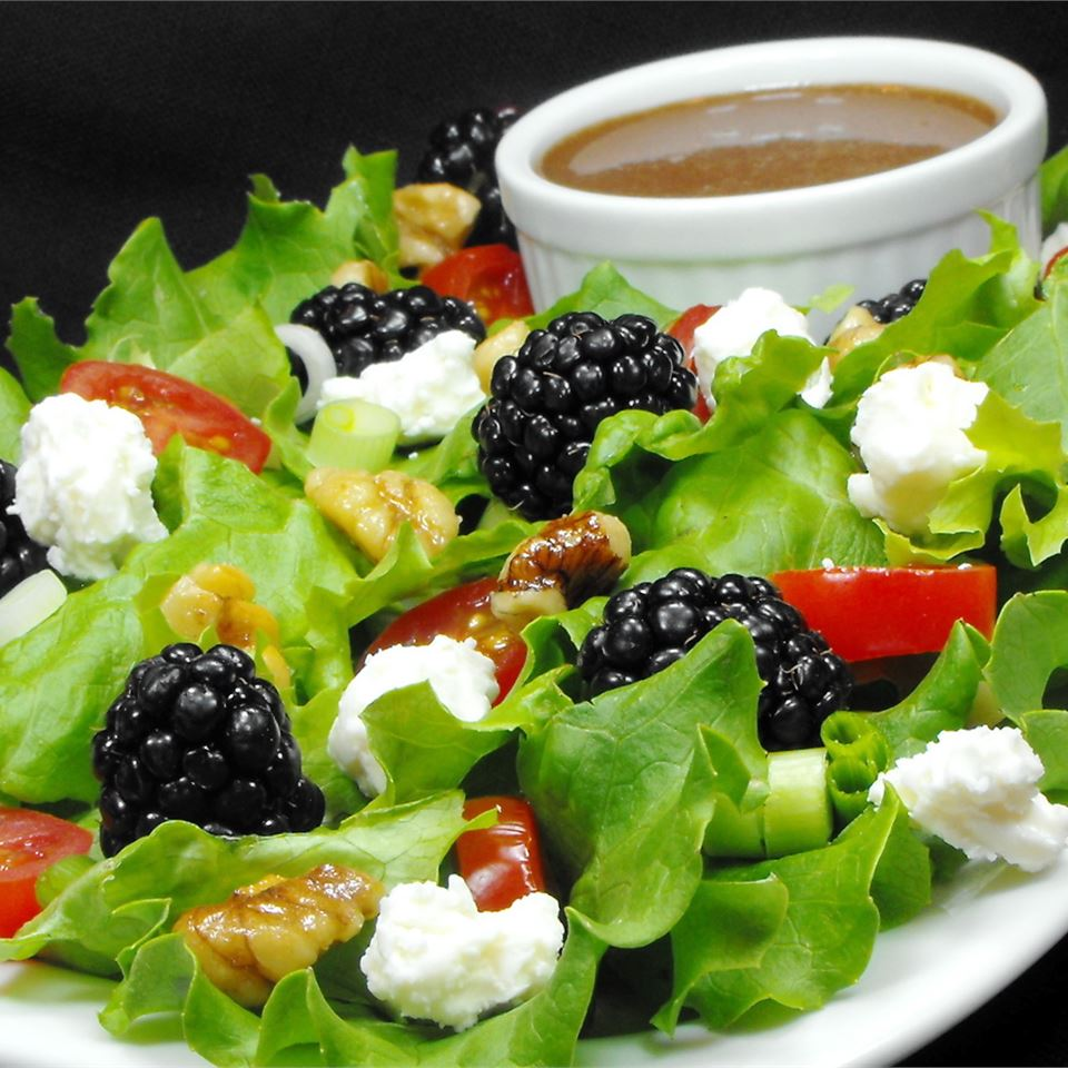 Blackberry Spinach Salad bellepepper