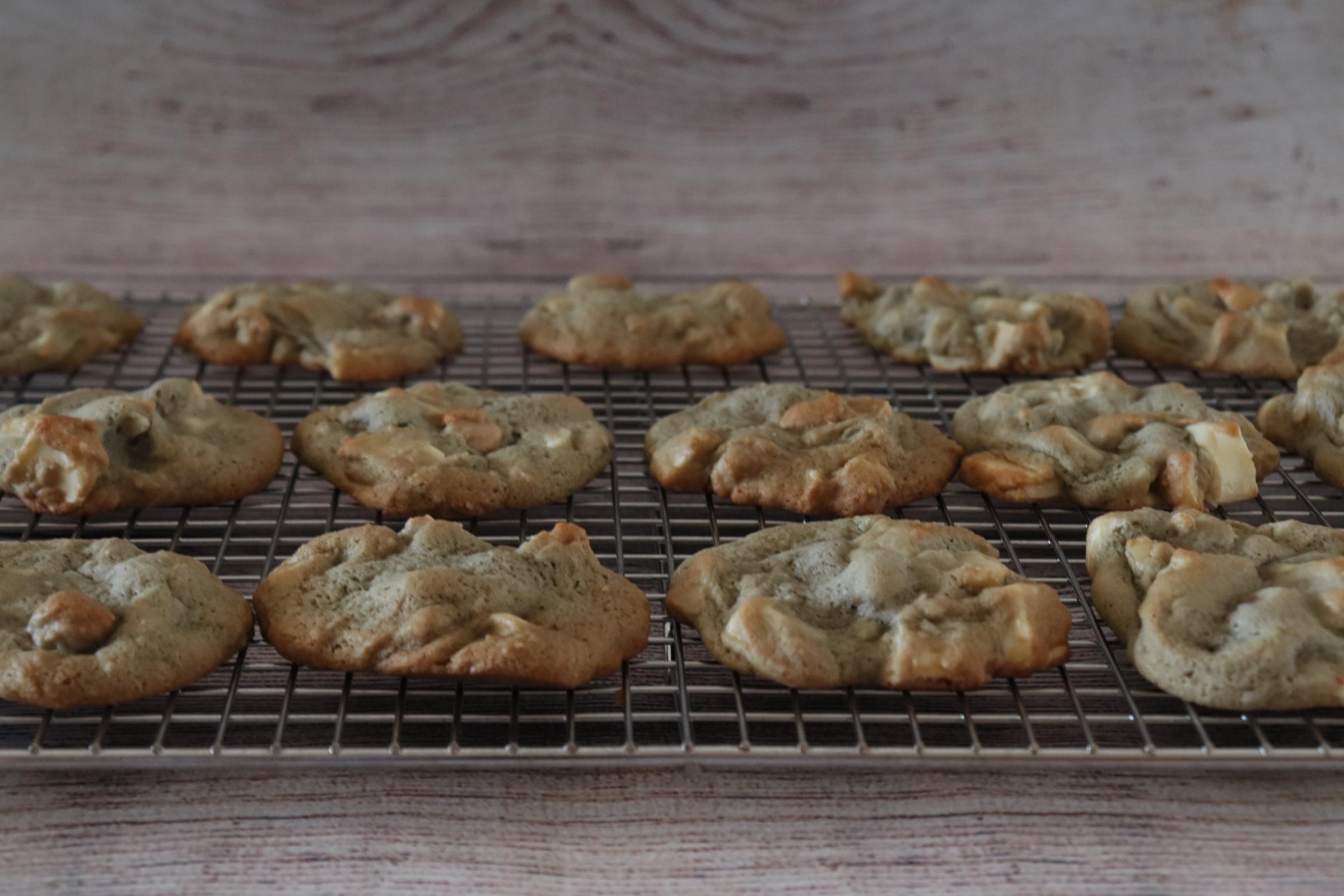 Macadamia Raspberry White Chocolate Cookies 1010lisalynn