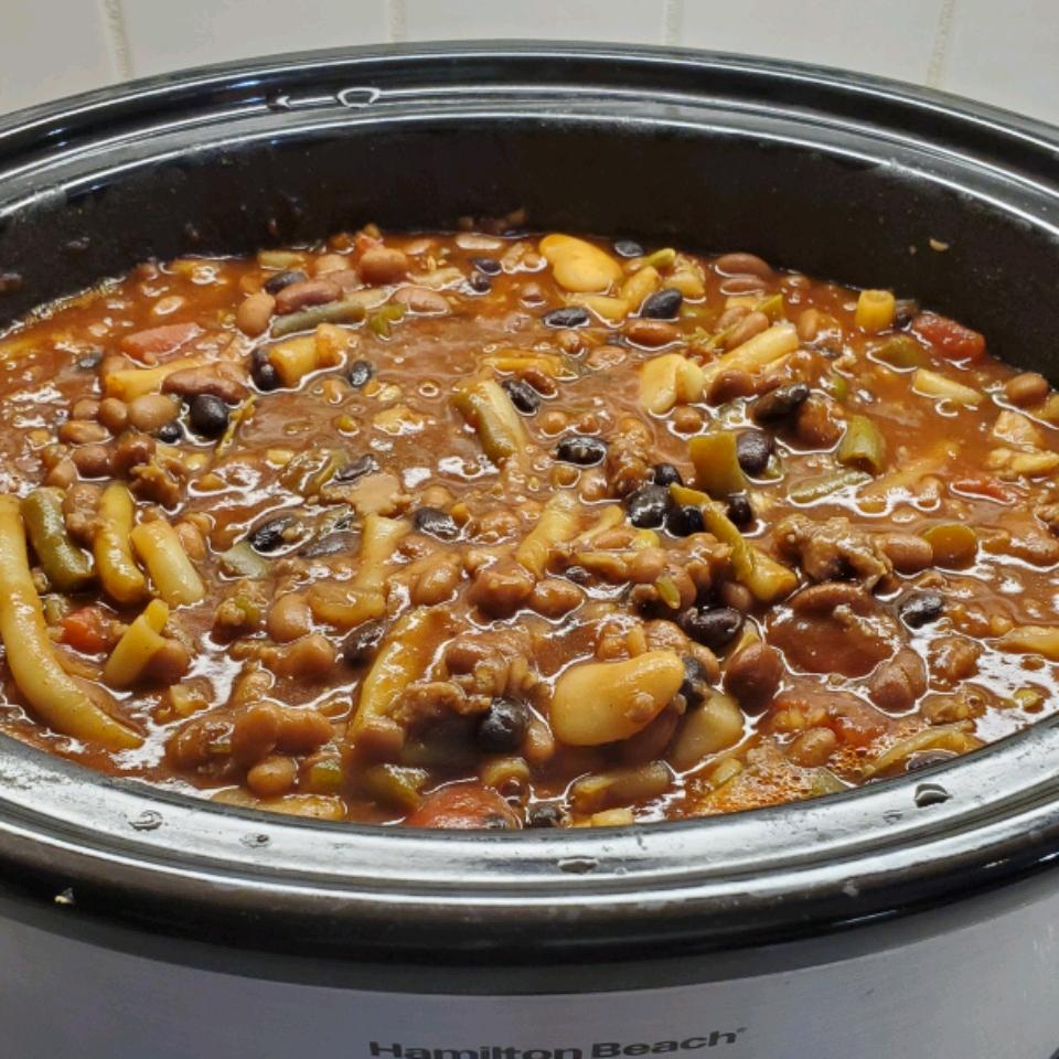 Slow Cooker BBQ Baked Beans Ellen Rieck