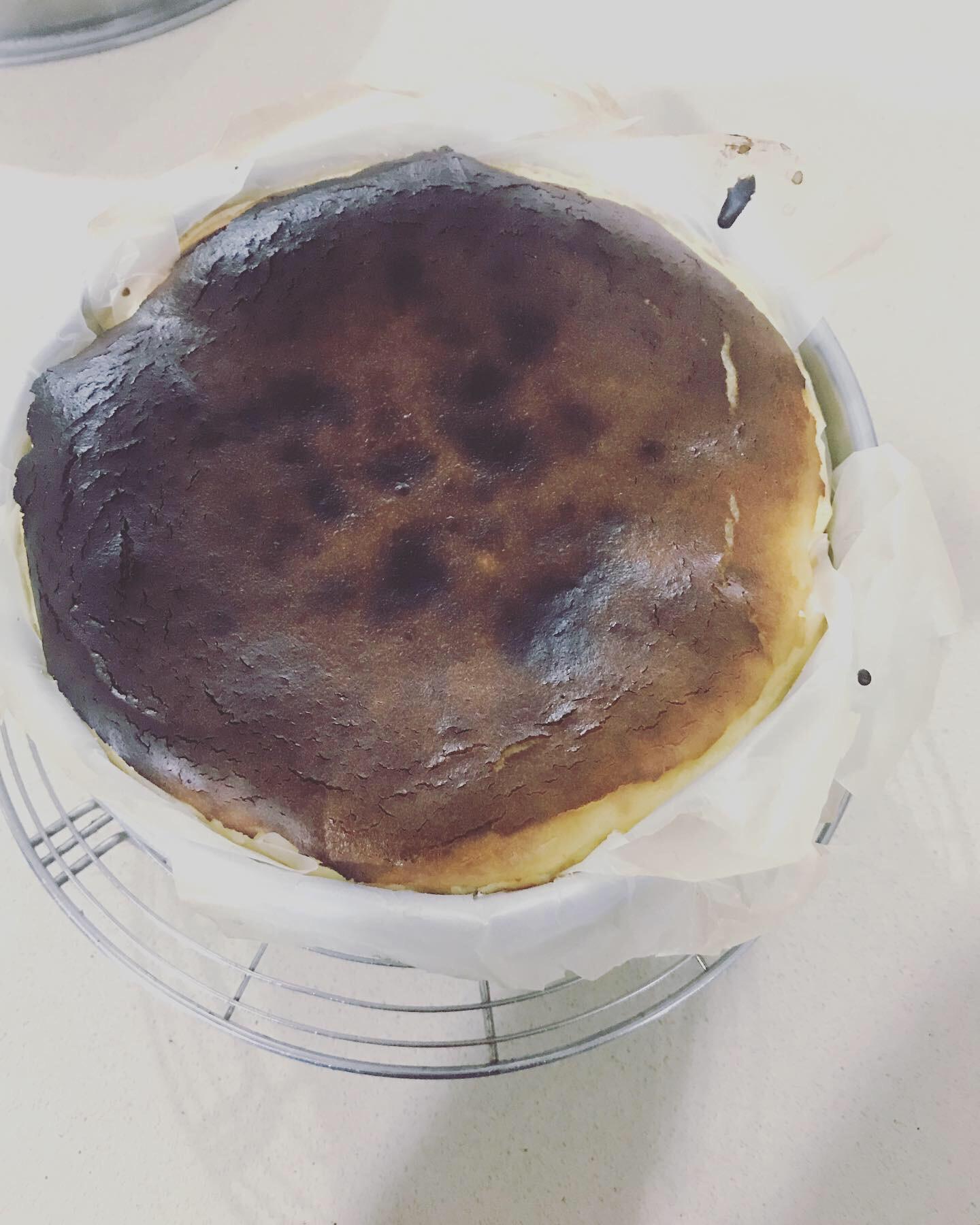 Burnt  Basque Cheesecake claudia