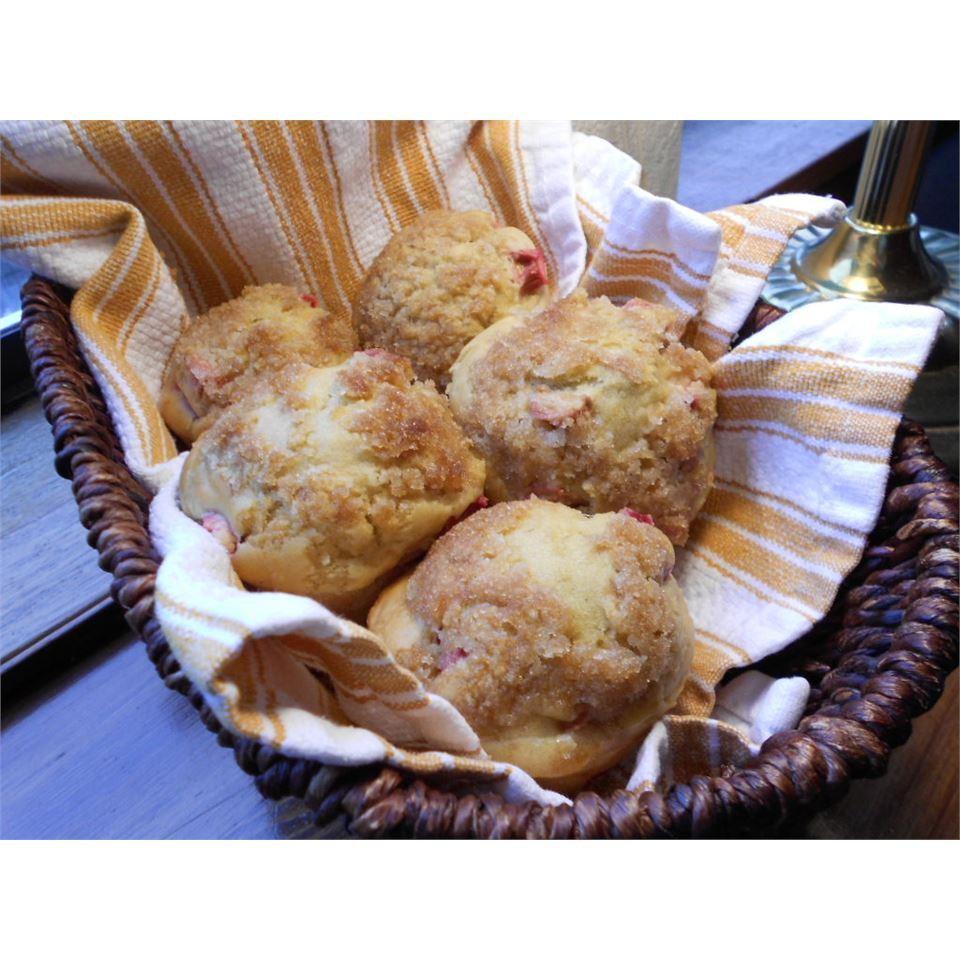 Rhubarb Muffins I kellieann