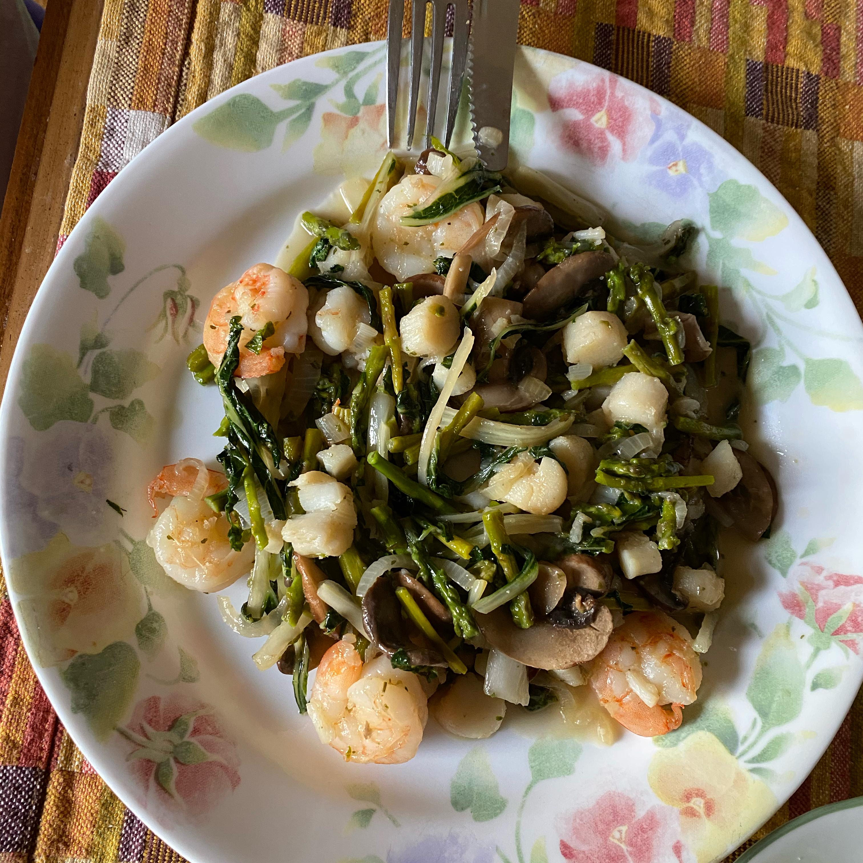 Shrimp and Scallop Stir-Fry Maria Quintana