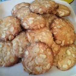Italian Almond Cookies II louisabjohnson
