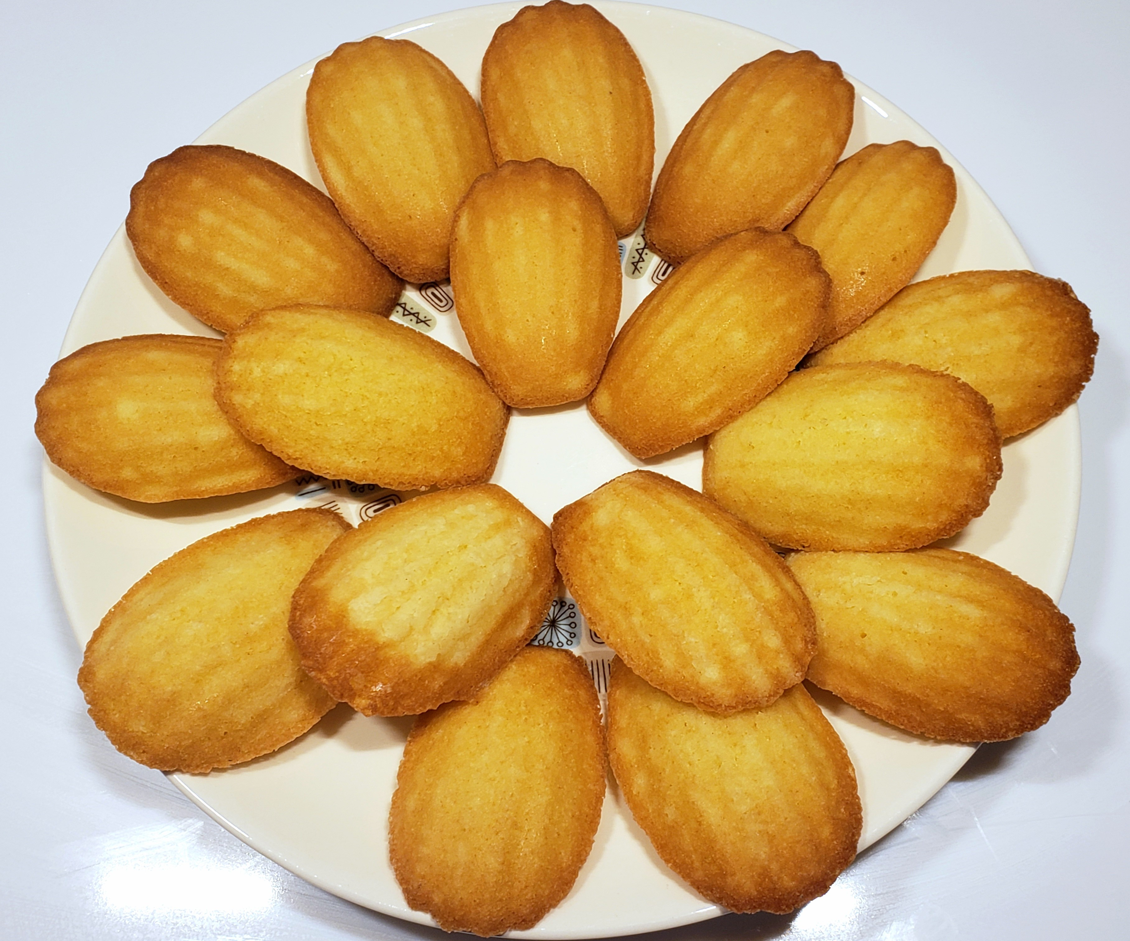 French Butter Cakes (Madeleines) RWC4520