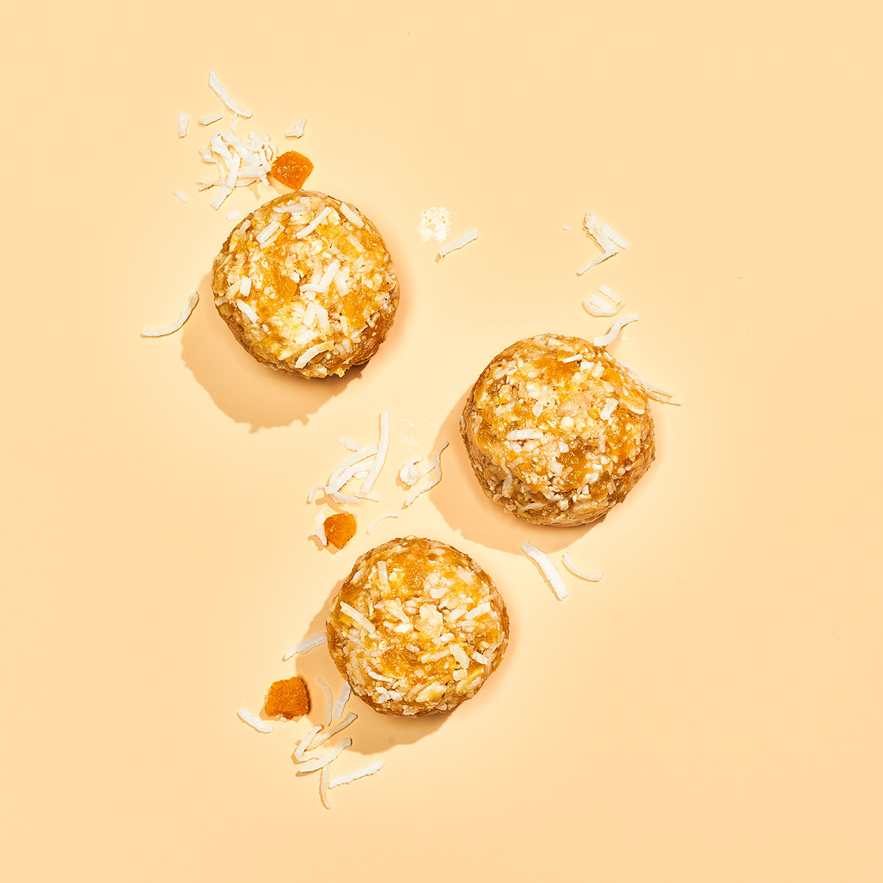 This easy energy ball uses natural ingredients to give you a quick bite of energy when you need it. Dried apricots and honey hold together the coconut and oats, while ginger and tahini deepen the sweet flavors. Ready in just 25 minutes, you can have these as a grab-and-go breakfast, afternoon snack or sweet treat after dinner.