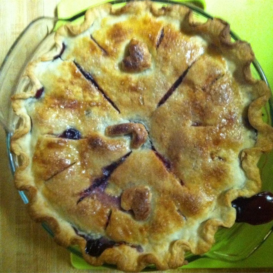 Cherry-Blueberry Pie Gemquest