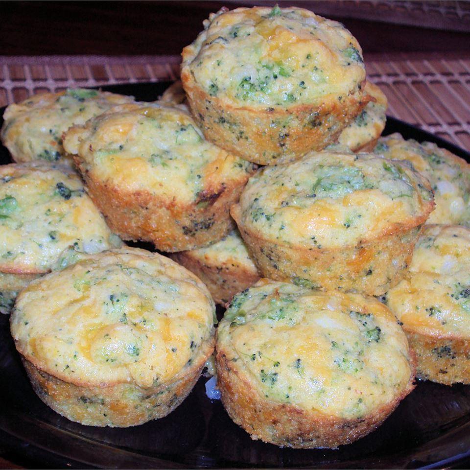 Broccoli-Cheese Corn Bread Happyschmoopies