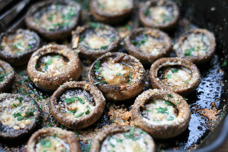 Garlic-Butter Roasted Mushrooms