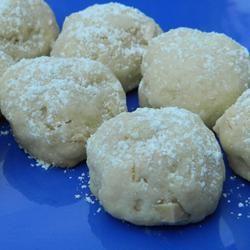 Amaretto Butter Balls Marianne
