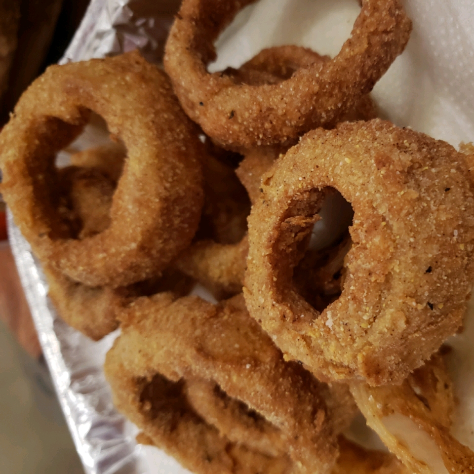 Southern-Style Onion Rings cecilyh0820