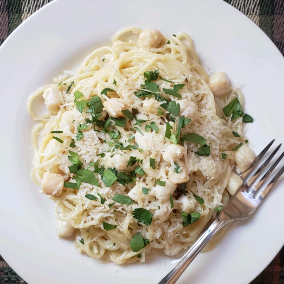 Creamy Bay Scallop Spaghetti valerie_banman@hotmail.com